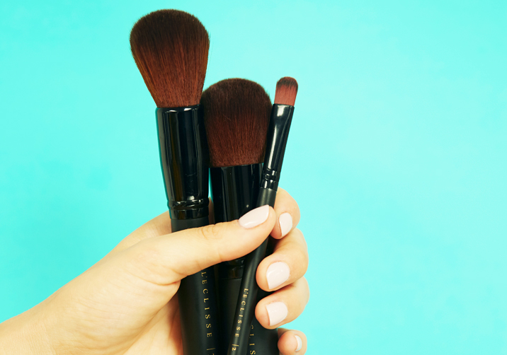 Vegan-cruelty-free-makeup-luxury-professional-makeup-brushes-natural-cosmetics